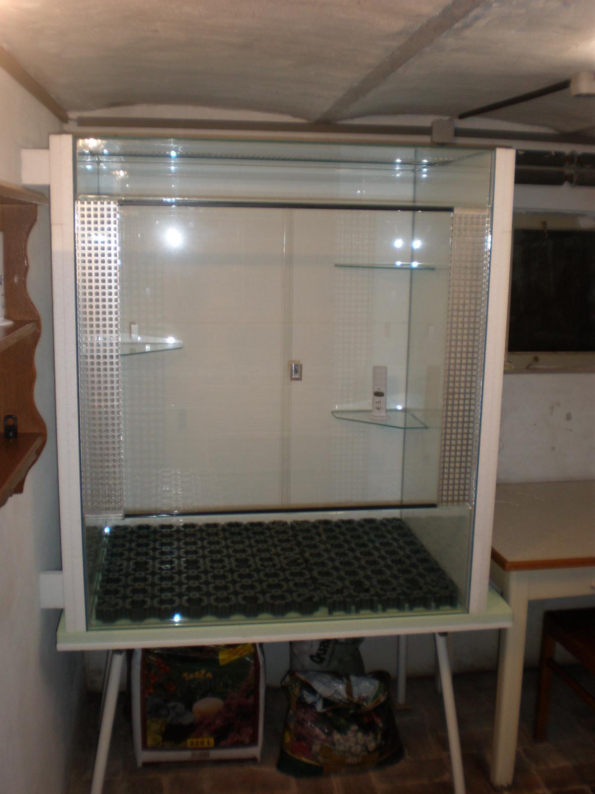 r ckwand aquarium selber bauen kommode solo loddenkemper just another wordpress sitehome design. Black Bedroom Furniture Sets. Home Design Ideas